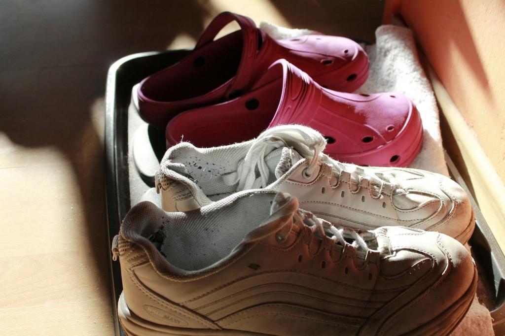 shoes-272922_1280